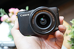 單鏡組售價14,900元 Canon EOS M10在臺發表
