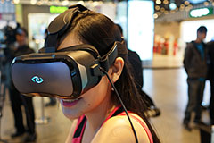 D2開拓者版虛擬實境裝置登臺 12,888元開賣